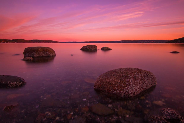 Foto: Bucht in Oslo nach Sonnenuntergang